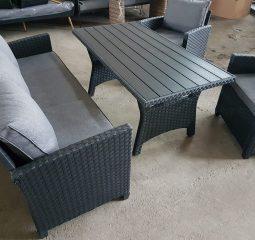 , Tamsiai Ruda Lauko Kėdė su Porankiais (kėd16R)
